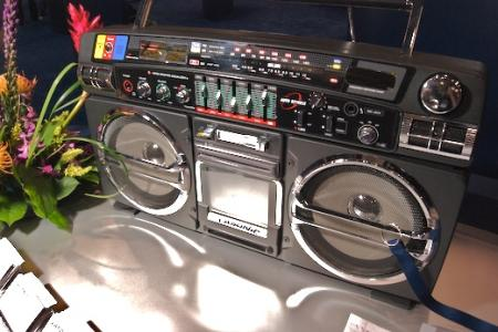 Lasonic ghetto blasts back to the 80s - Lasonic ghetto blaster ...